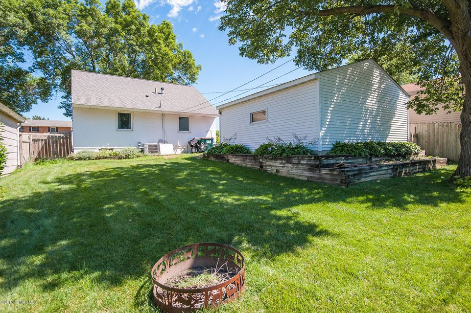 1826 19th,Rochester,Minnesota 55901,3 Bedrooms Bedrooms,1 BathroomBathrooms,Single family residence,19th,4089639