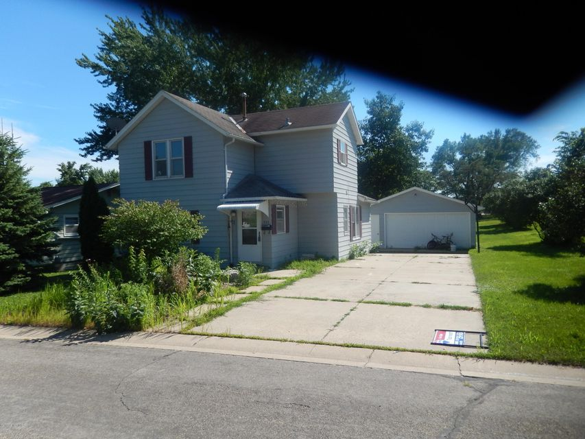 933 Grand,Chatfield,Minnesota 55923,4 Bedrooms Bedrooms,1 BathroomBathrooms,Single family residence,Grand,4084691