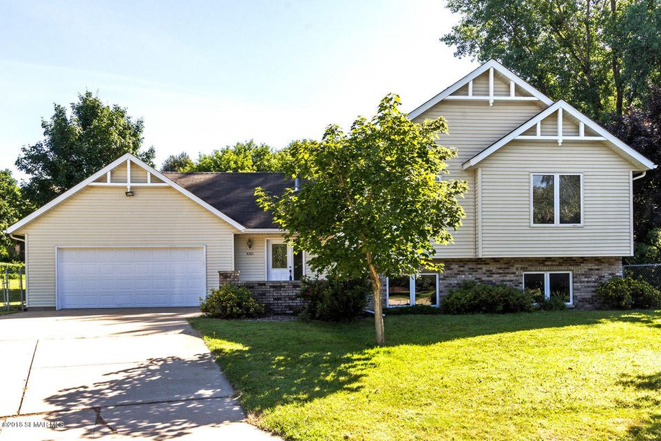 4301 56th Street,Rochester,Minnesota 55901,4 Bedrooms Bedrooms,2 BathroomsBathrooms,Single family residence,56th Street,4089755