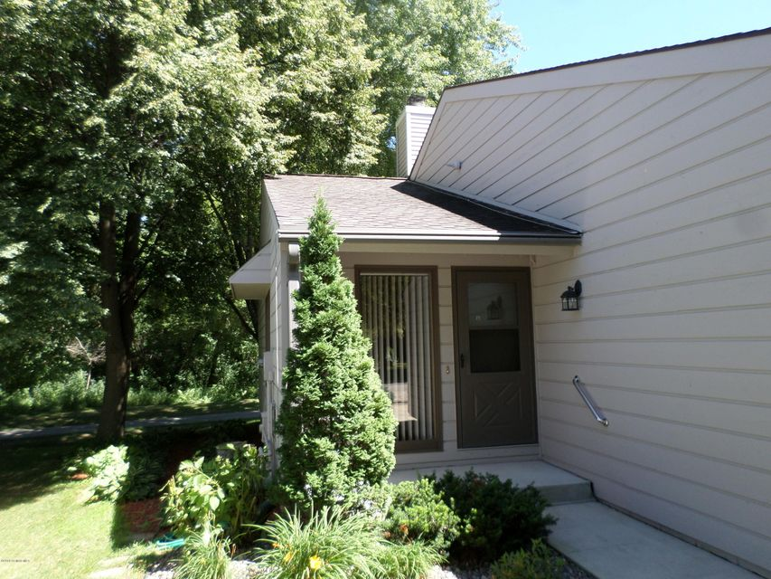 752 Neville,Rochester,Minnesota 55904,2 Bedrooms Bedrooms,1 BathroomBathrooms,Single family residence,Neville,4089761