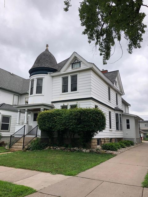 714 6th,Winona,Minnesota 55987,4 Bedrooms Bedrooms,3 BathroomsBathrooms,Single family residence,6th,4085009