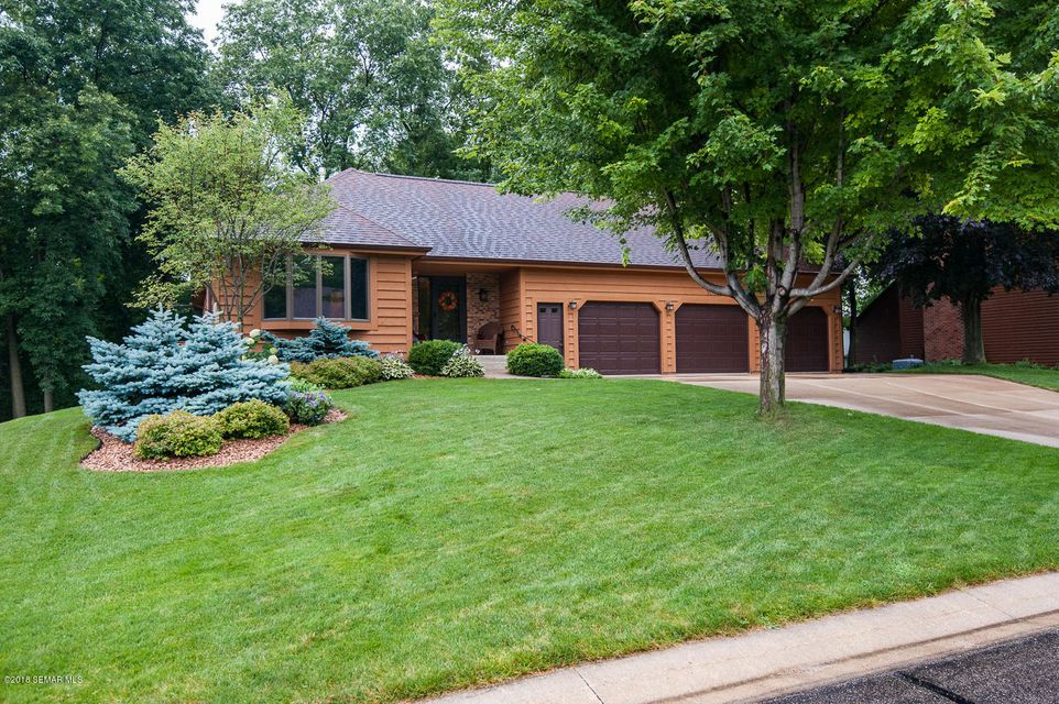 1015 Hickory,Rochester,Minnesota 55902,5 Bedrooms Bedrooms,3 BathroomsBathrooms,Single family residence,Hickory,4089791