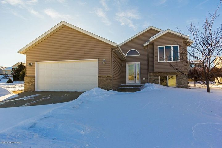 4904 Manor Brook Drive NW, Rochester, MN 55901
