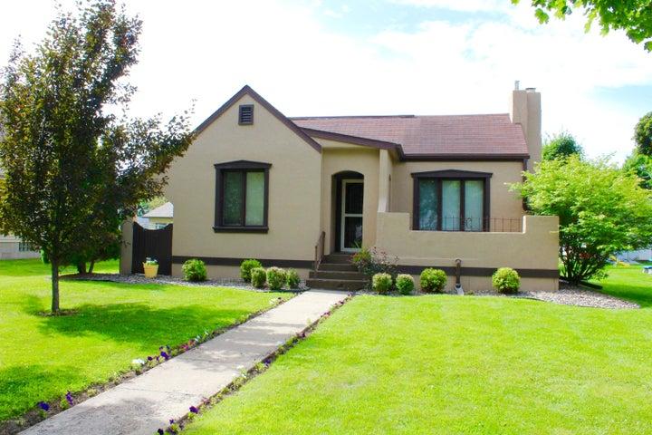 233 Main Street W, Blooming Prairie, MN 55917