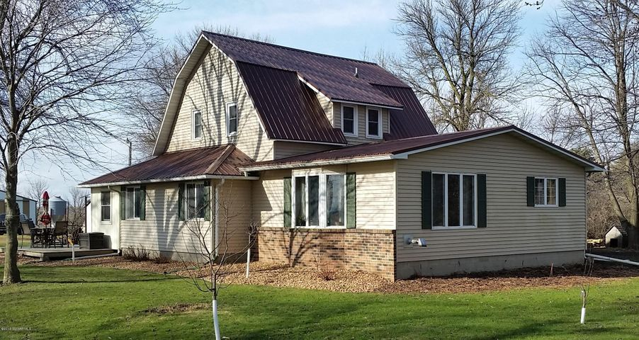 64771 320th Street, Sargeant, MN 55973