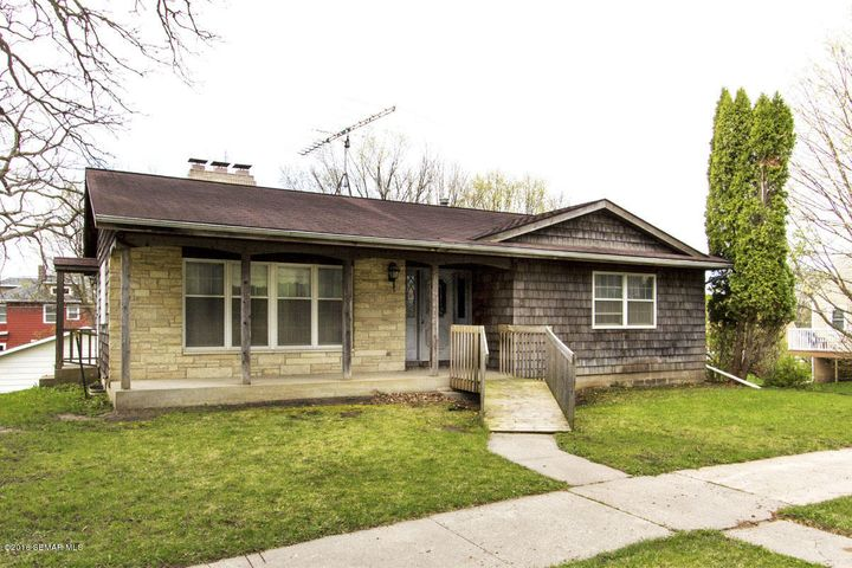 213 Winona Street SE, Chatfield, MN 55923