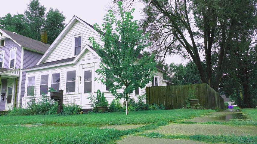 627 W Howard Street, Winona, MN 55987