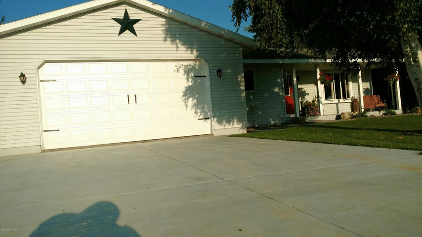 20751 County Road 33, Altura, MN 55910