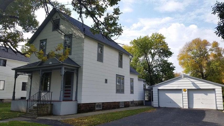 304 1st Avenue SE, Hayfield, MN 55940