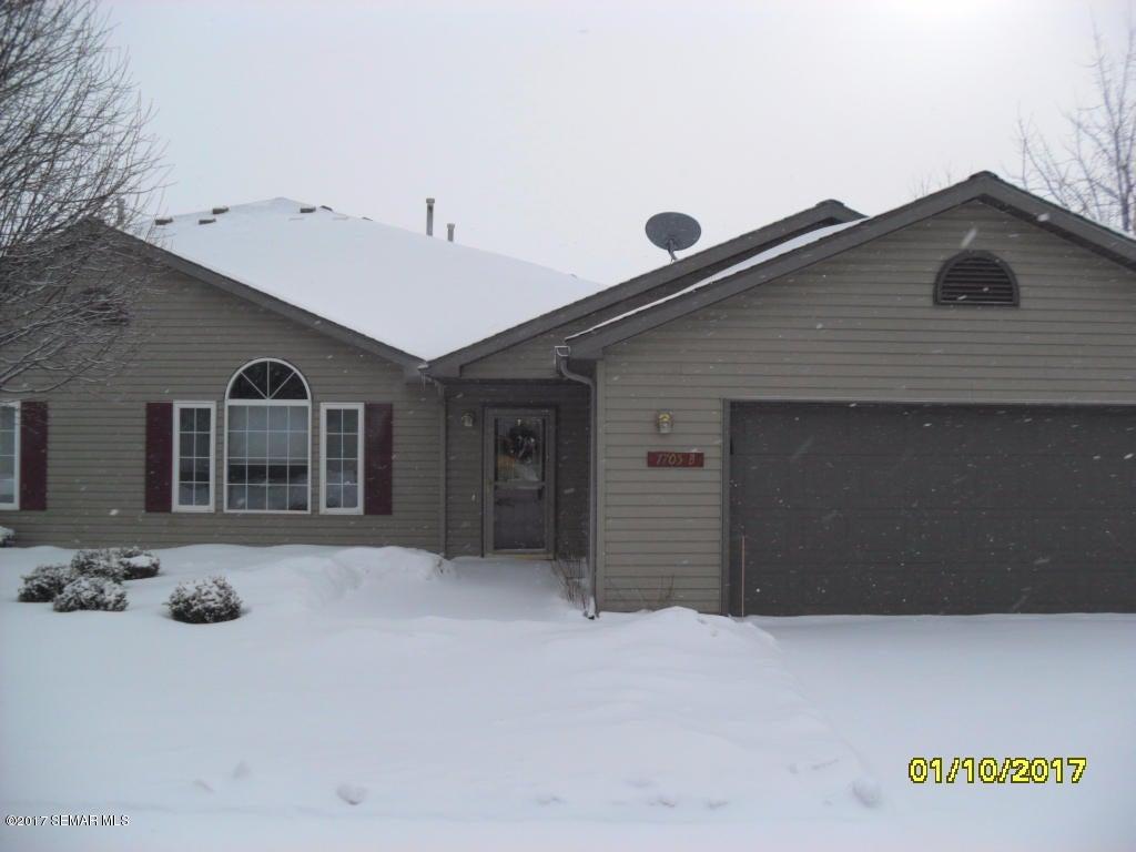 1705 Carriage Homes Drive SW, B, Austin, MN 55912