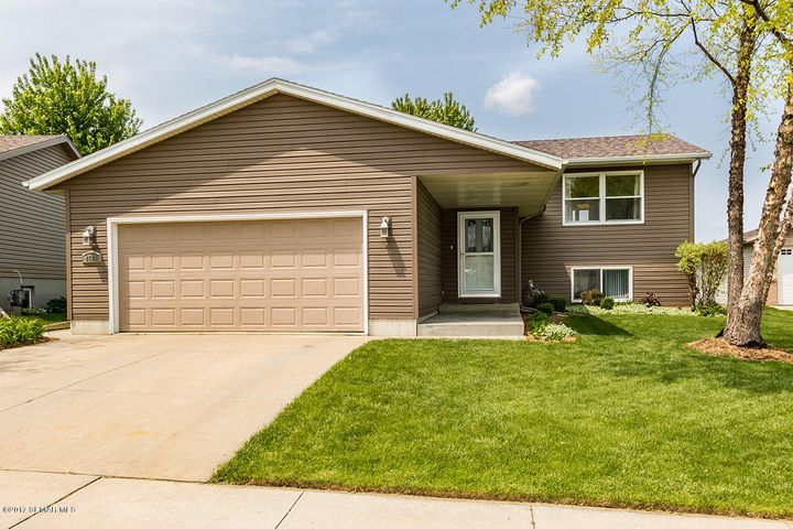 4521 10th Street NW, Rochester, MN 55901