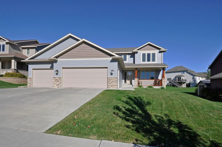 6310 Fairway Drive NW, Rochester, MN 55901