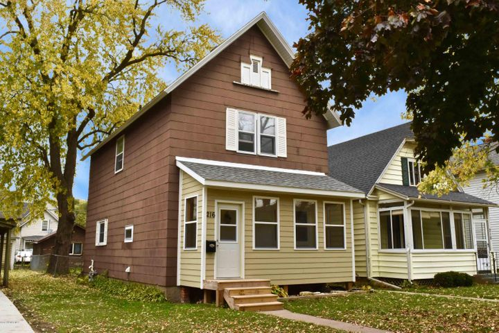216 E 9th Street, Winona, MN 55987