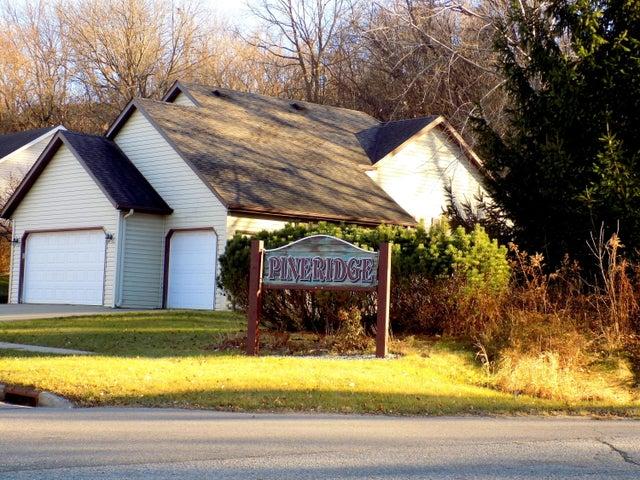 2320 Ponderosa Drive SW, Rochester, MN 55902
