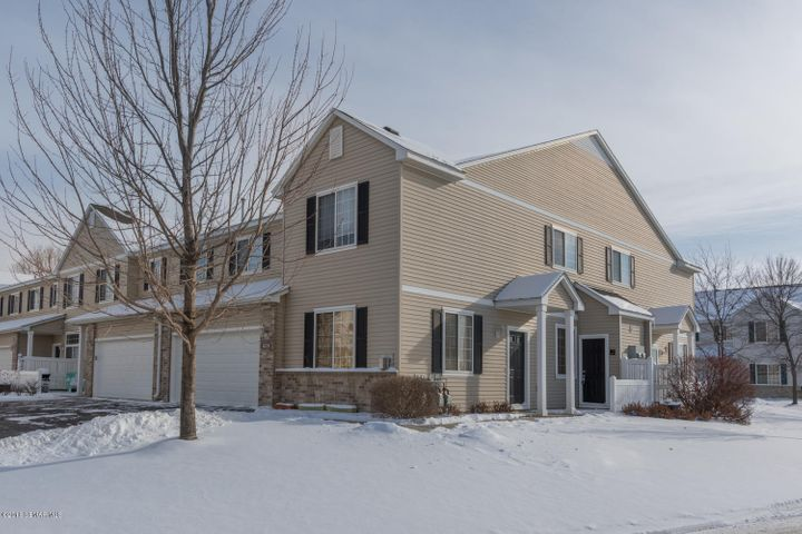 6328 30th Avenue NW, Rochester, MN 55901