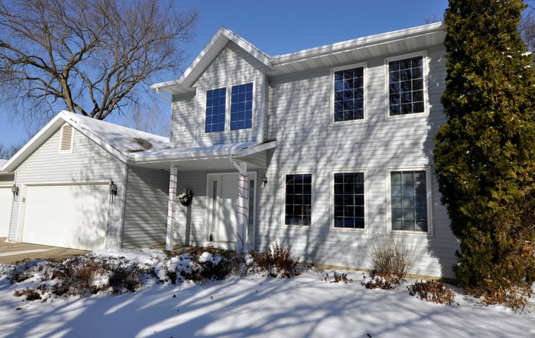 943 Northern Valley Drive NE, Rochester, MN 55906