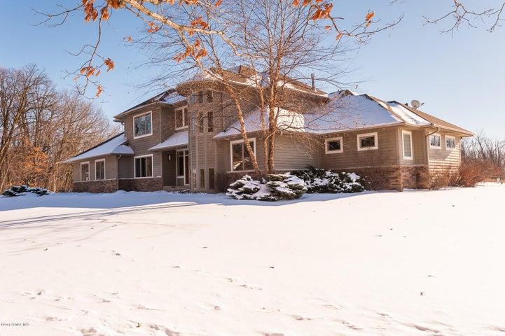 1123 Chippewa Drive NW, Rochester, MN 55901