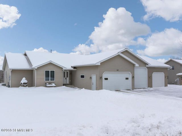 917 Jefferson Avenue SW, Eyota, MN 55934