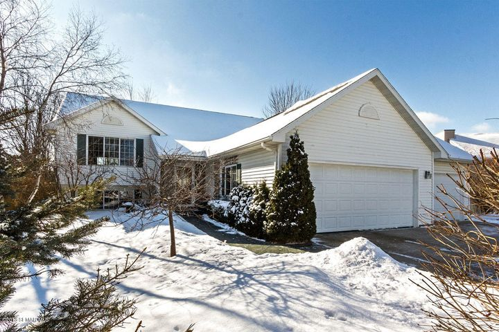 Location Location!! This home is nestled in sought out Emerald Hills on a cul-de-sac street, which means no through traffic. Private back yard with no neighbors behind, just quiet serenity! Perfect!!