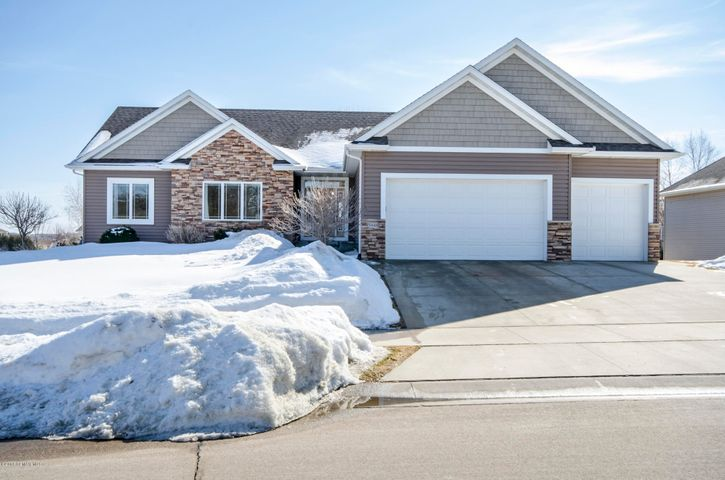 5048 Scenic View Drive SW, Rochester, MN 55902