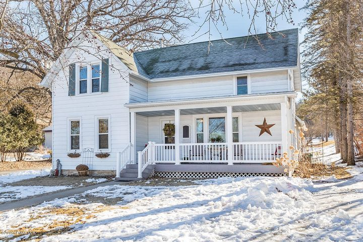102 Avenue B NE, Chatfield, MN 55923