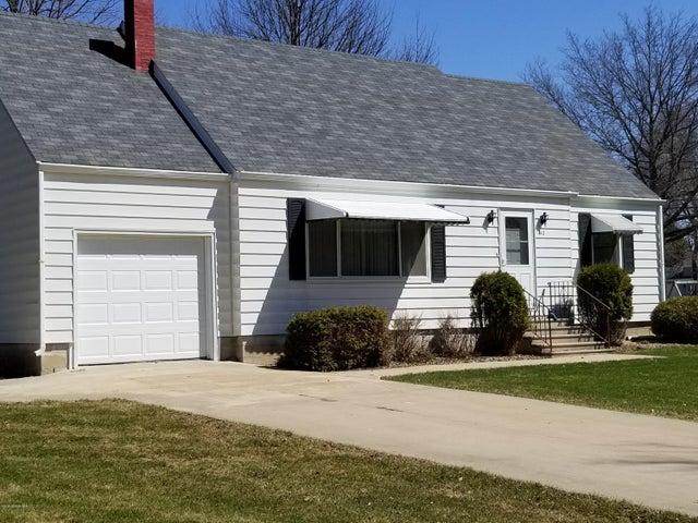 410 2nd Street NE, Hayfield, MN 55940