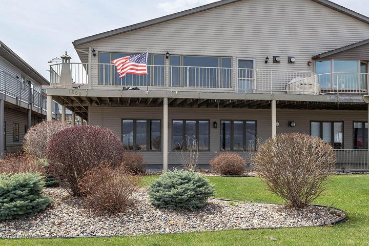 1209 N Lakeshore Drive, Lake City, MN 55041