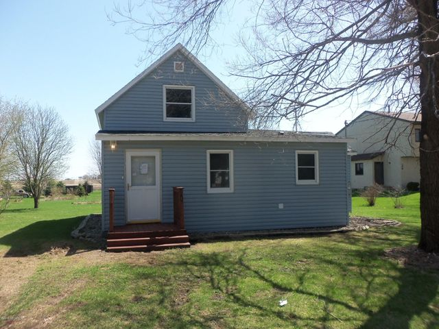 207 Maple Street, Dexter, MN 55926