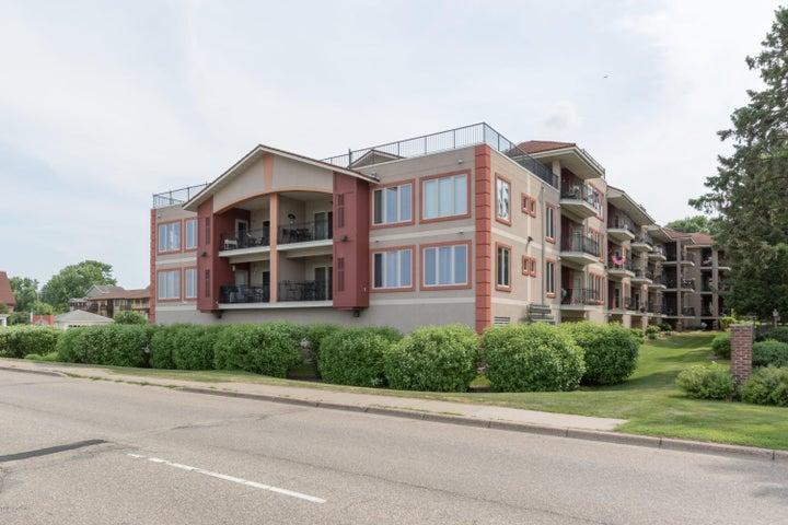 1401 N Lakeshore Drive, 213, Lake City, MN 55041