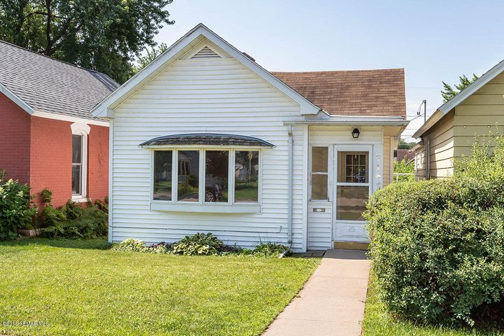 715 E 7th Street, Winona, MN 55987