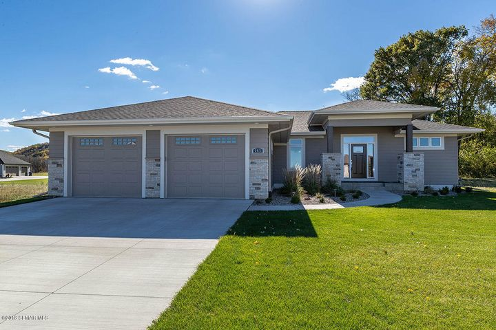 141 Medinah Circle W, Lake City, MN 55041