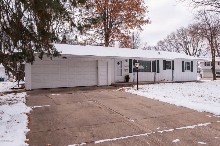 2406 17 1/2 Street NW, Rochester, MN 55901