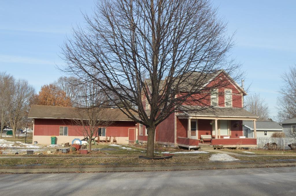 135 Main Street W, Elgin, MN 55932