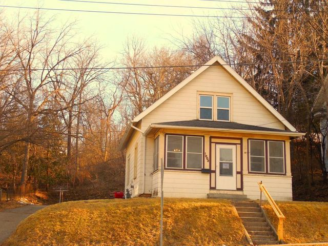 1003 West Avenue, Red Wing, MN 55066