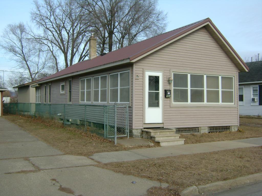 964 E King Street, Winona, MN 55987