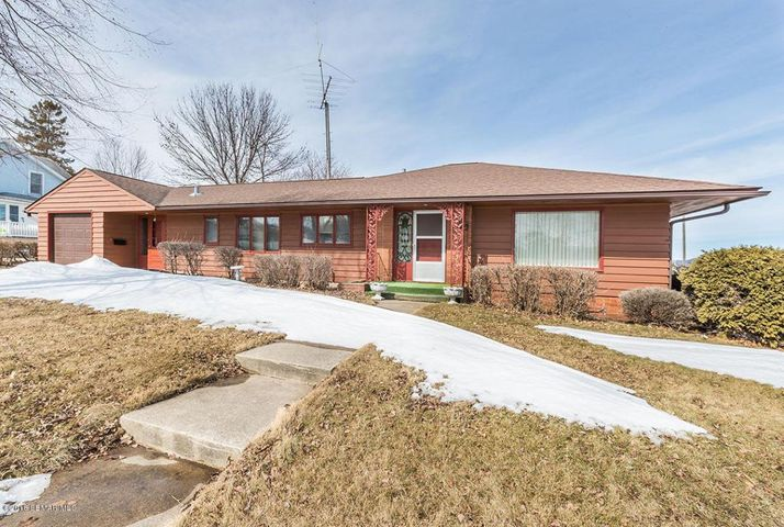 824 S Lakeshore Drive, Lake City, MN 55041