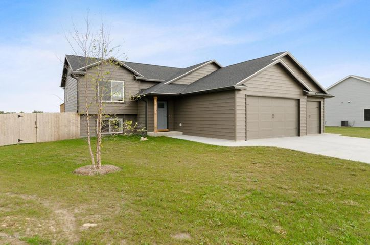 345 5th Way SE, Dover, MN 55929