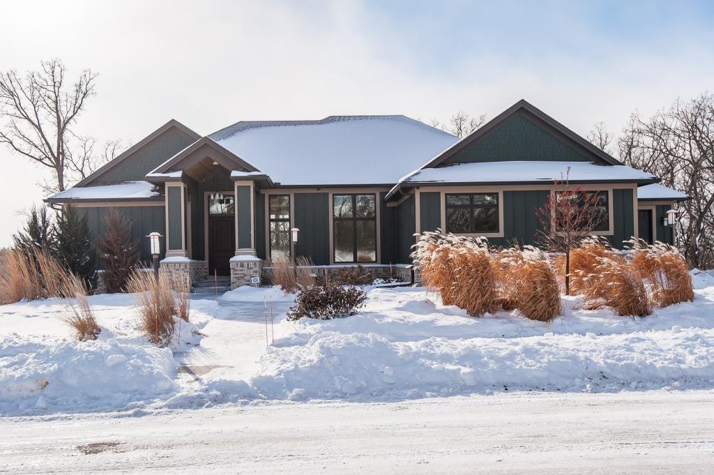 5379 Scenic View Drive SW, Rochester, MN 55902
