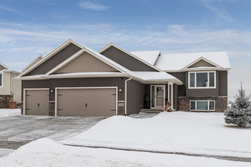 3353 Woodstone Drive SW, Rochester, MN 55902