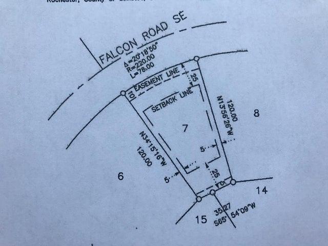 1019 Falcon Road SE, Rochester, MN 55904