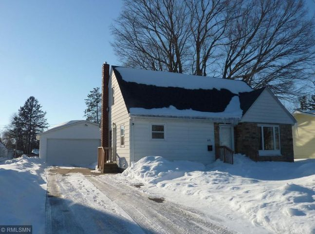 600 N Section Avenue, Spring Valley, MN 55975