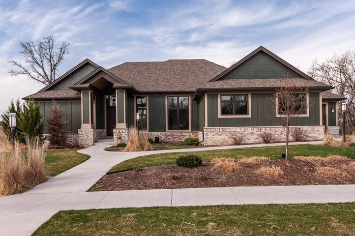 5379 Scenic View Drive SW, Rochester, MN 55902
