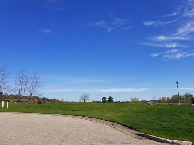 101 Green Lake Court, Lake City, MN 55041