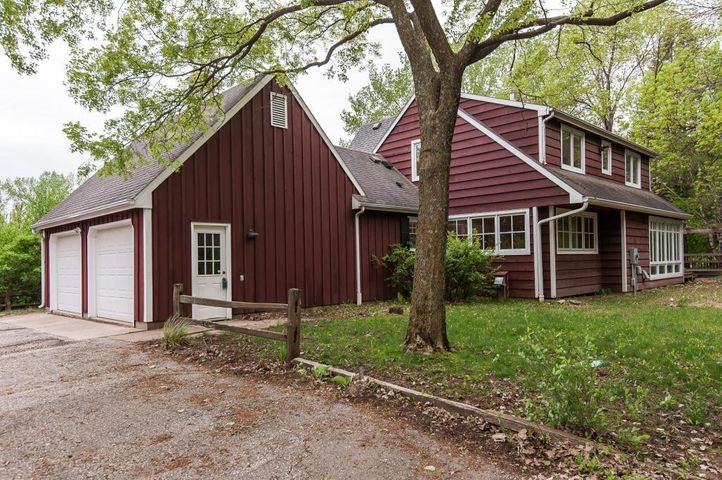 1100 Orchard Acres Lane SW, Rochester, MN 55902