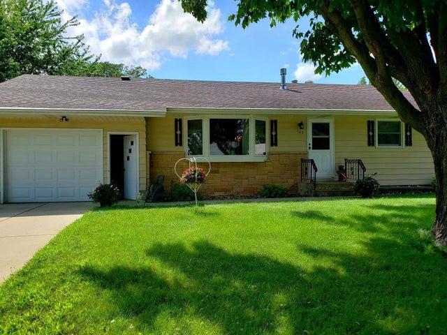 302 Oak Street SE, Brownsdale, MN 55918