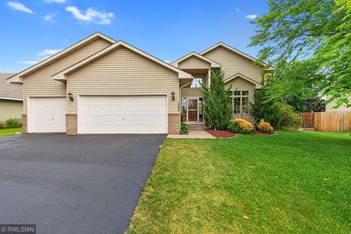 OPEN HOUSE 7/21 (11-1) BACK ON MARKET--Buyer's financing fell through. Inspection came back clear. 3 car insulated garage.