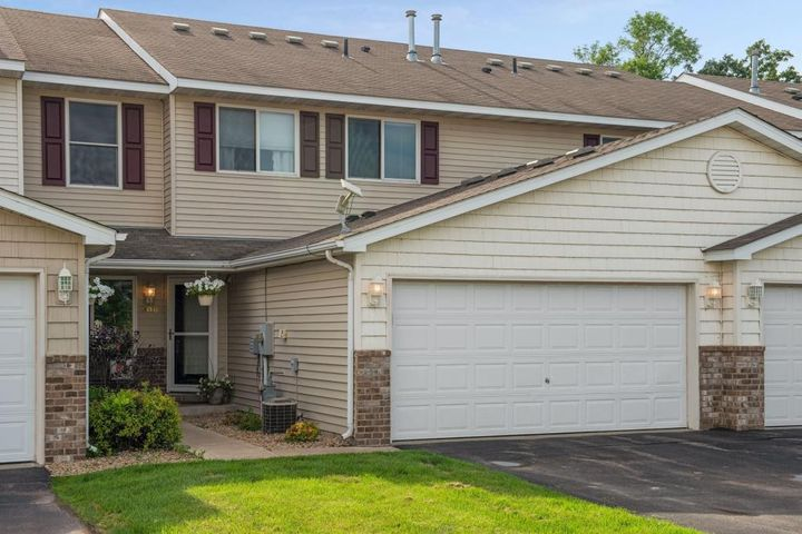 906 Harmony Path, Norwood Young America, MN 55397