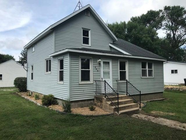 305 3rd Street NE, Grand Meadow, MN 55936