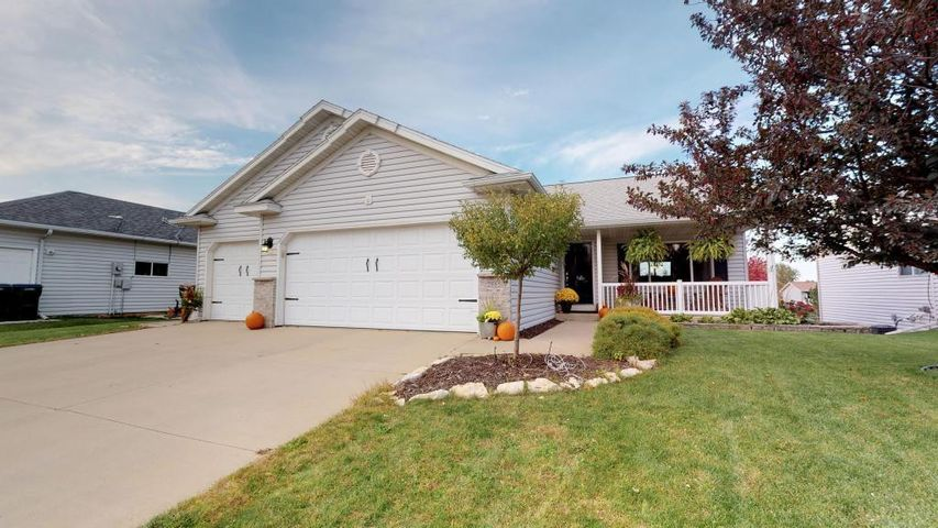 2865 Bandel Drive NW, Rochester, MN 55901
