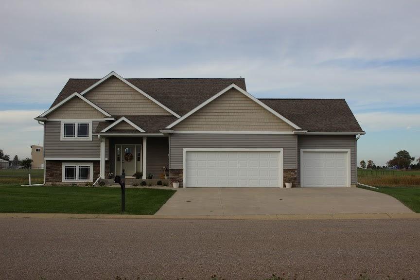 517 Glynn Avenue NE, Grand Meadow, MN 55936
